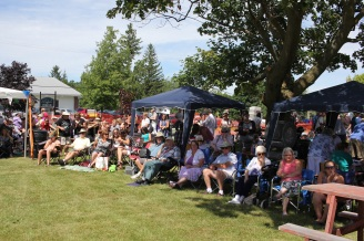 A small section of the crowd enjoying the afternoon.
